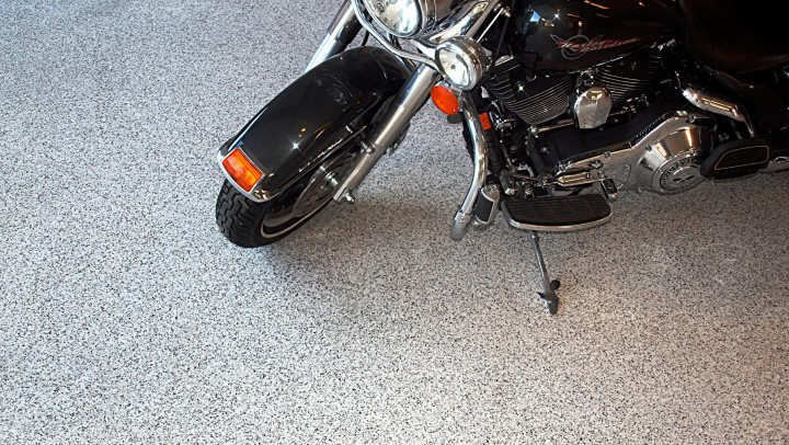 Garage floor epoxy with flakes